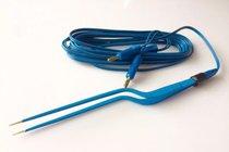 PINZA BIPOLAR TIPO BAYONETA con cable