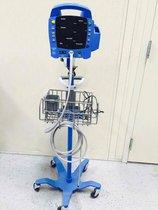 Equipo de presión arterial usado DINAMAP PROCARE auscultatorio 400 incluye 6 manguitos de presión diferentes y carrito