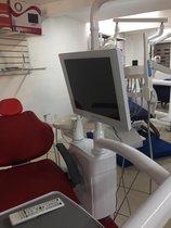 Kit monitor, cámara intraoral y soporte para monitor marca Odontum